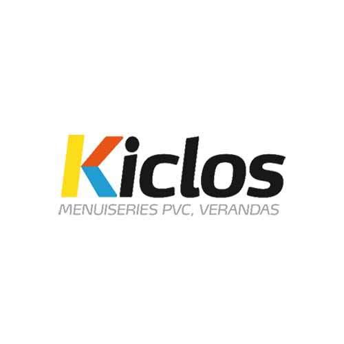 Le logo de Kiclos, marque bretonne de menuiserie et véranda en PVC. Il s'agit d'une référence consiel en communication d'Antoine Chadufau.