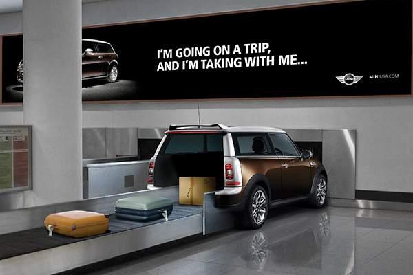 Campagne d'ambient marketing de Mini dans un aéroport.