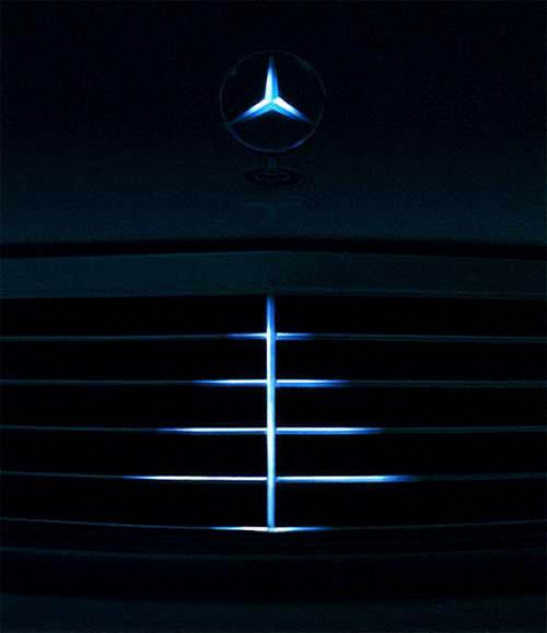 Top 30 des publicités créatives autour du sapin de Noël 4 Mercedes